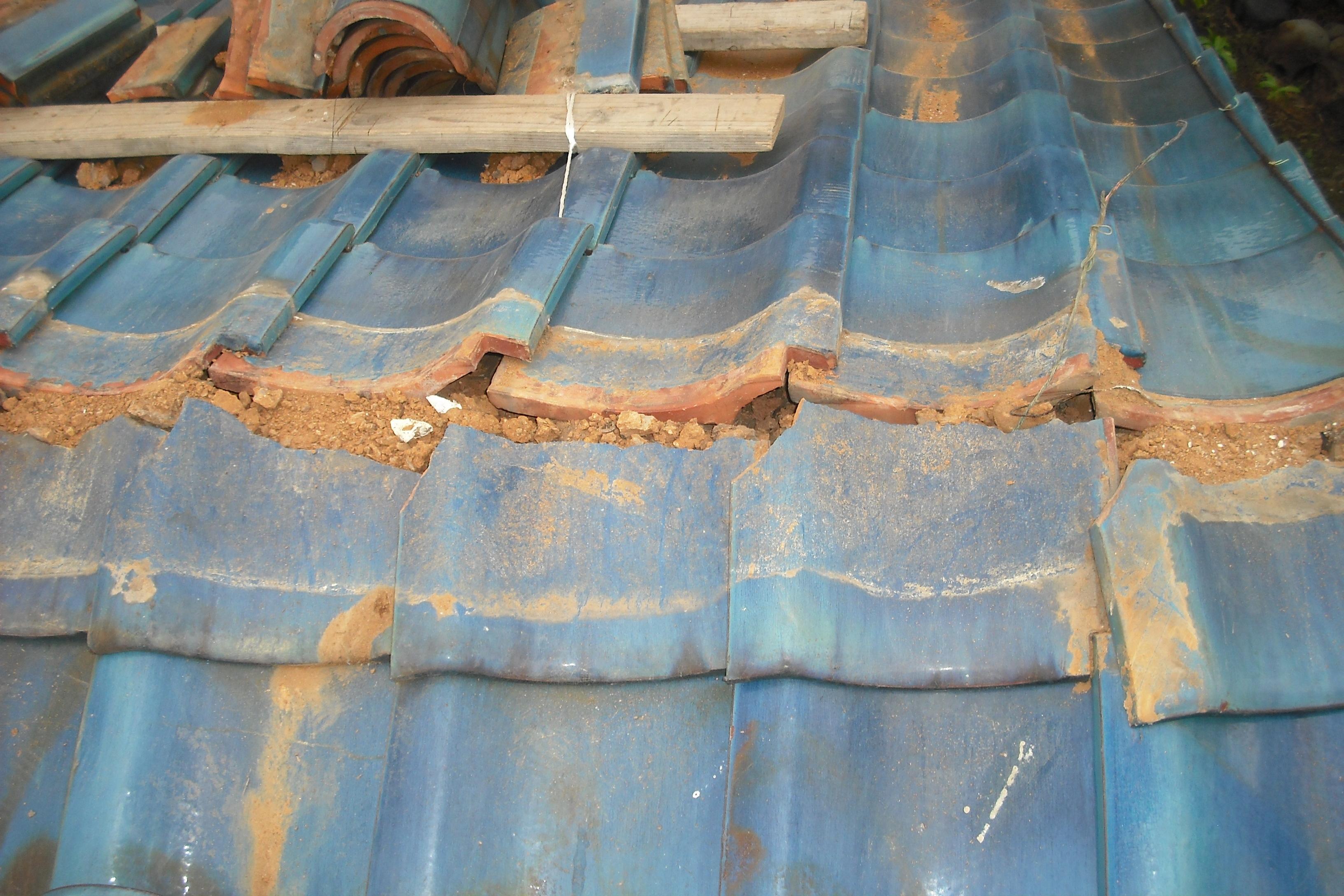 棟積み直し 屋根修理 青い瓦 清須